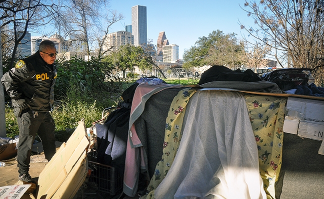 ITruly good guys: HPD unit brings hope to homeless